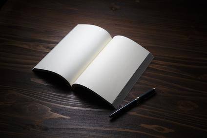 エンディングノートとは何?メリットやオススメの選び方と書き方を解説のイメージ画像