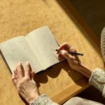 エンディングノートを書く人が増えない意外な理由
