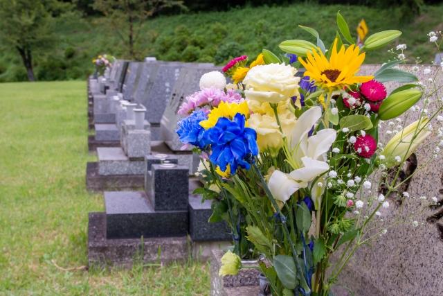 墓石の種類やデザインの選び方、相場金額について解説のイメージ画像